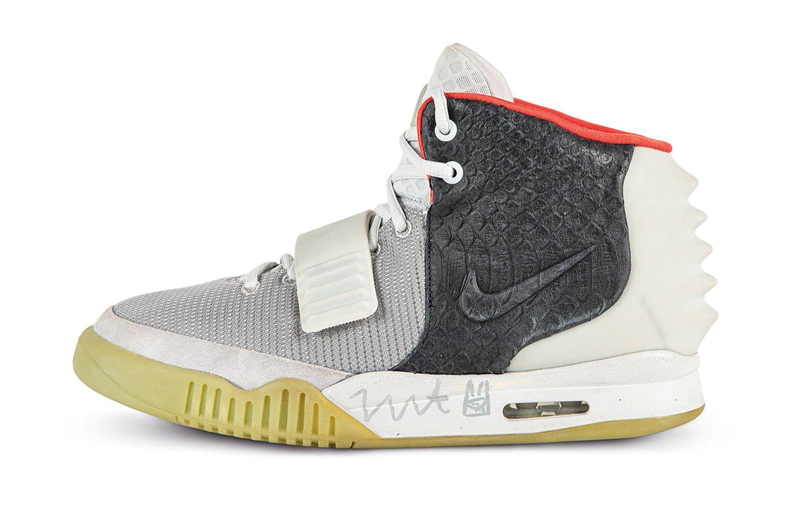 sothebys-rare-nike-sneaker-auction-11