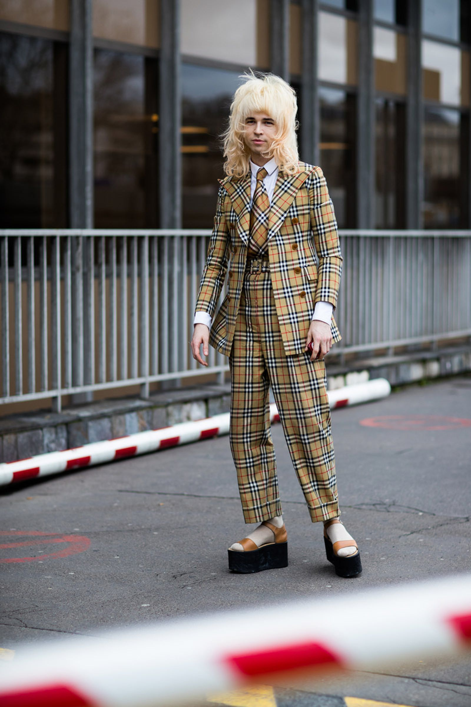 20paris fashion week womens street style fw19 Maisie Williams Maison Margiela Michèle Lamy