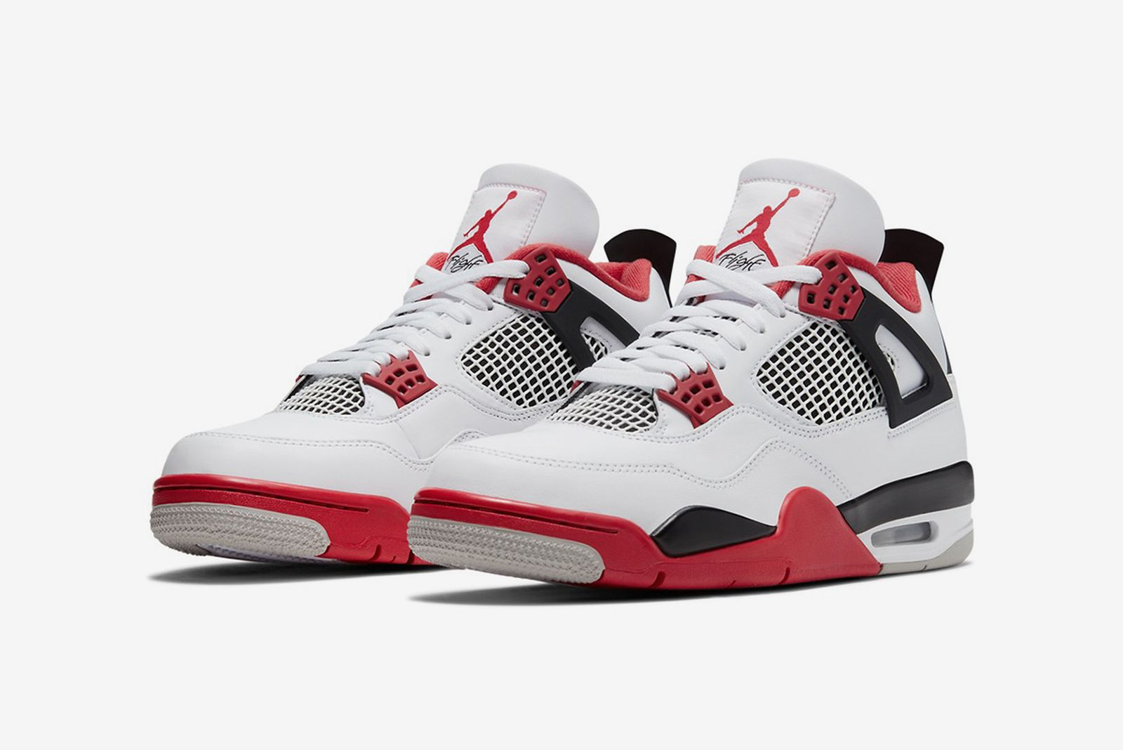 """ángulo Amasar Murmullo  Nike Air Jordan 4 """"Fire Red"""": Images & Where to Buy This Week"""