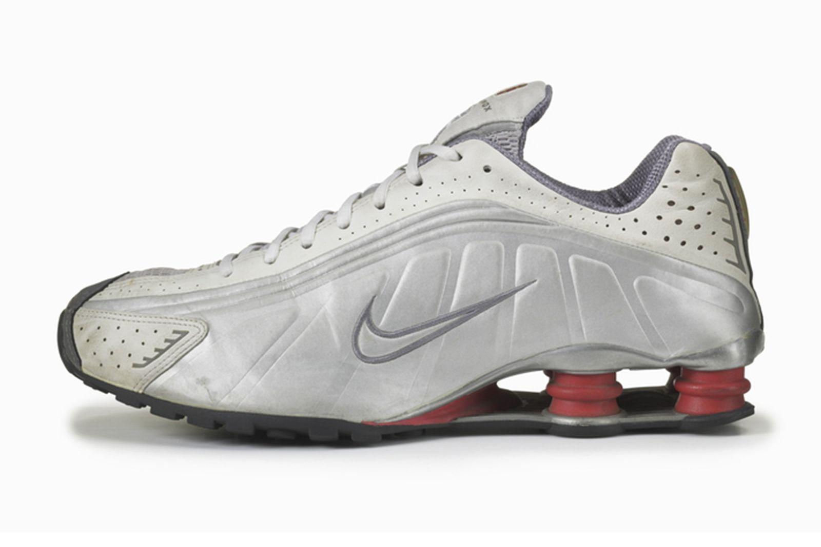 great-cushioning-foot-race-nike-shox-r4-2000