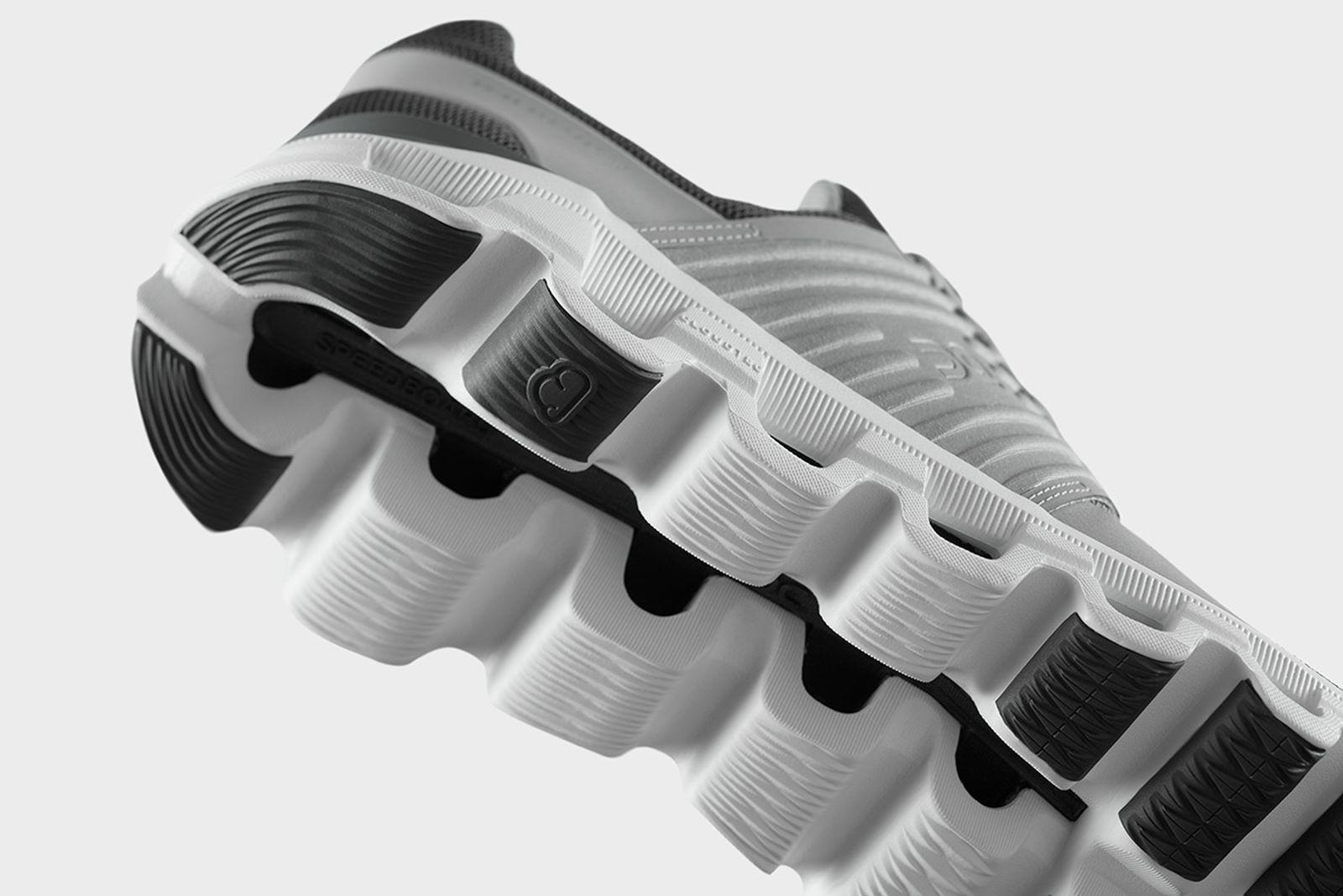 great-cushioning-foot-race-on-cloudtech