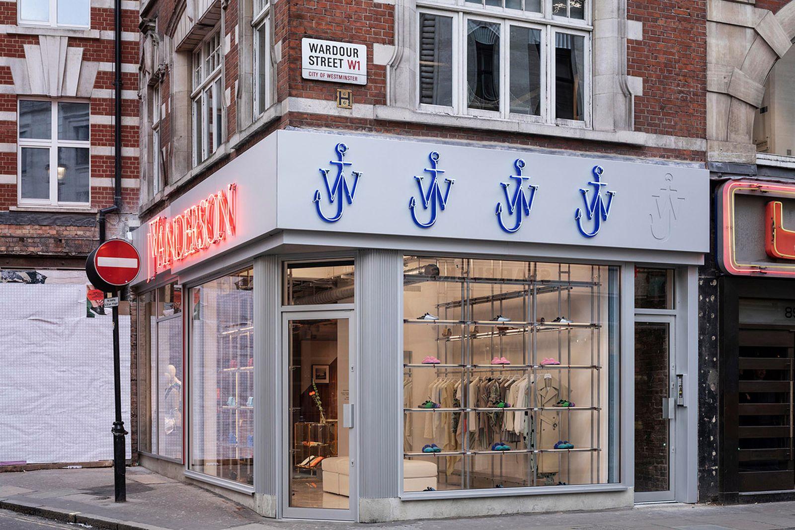 jw-jonathan-anderson-soho-london-uk-flagship-store-opening-2