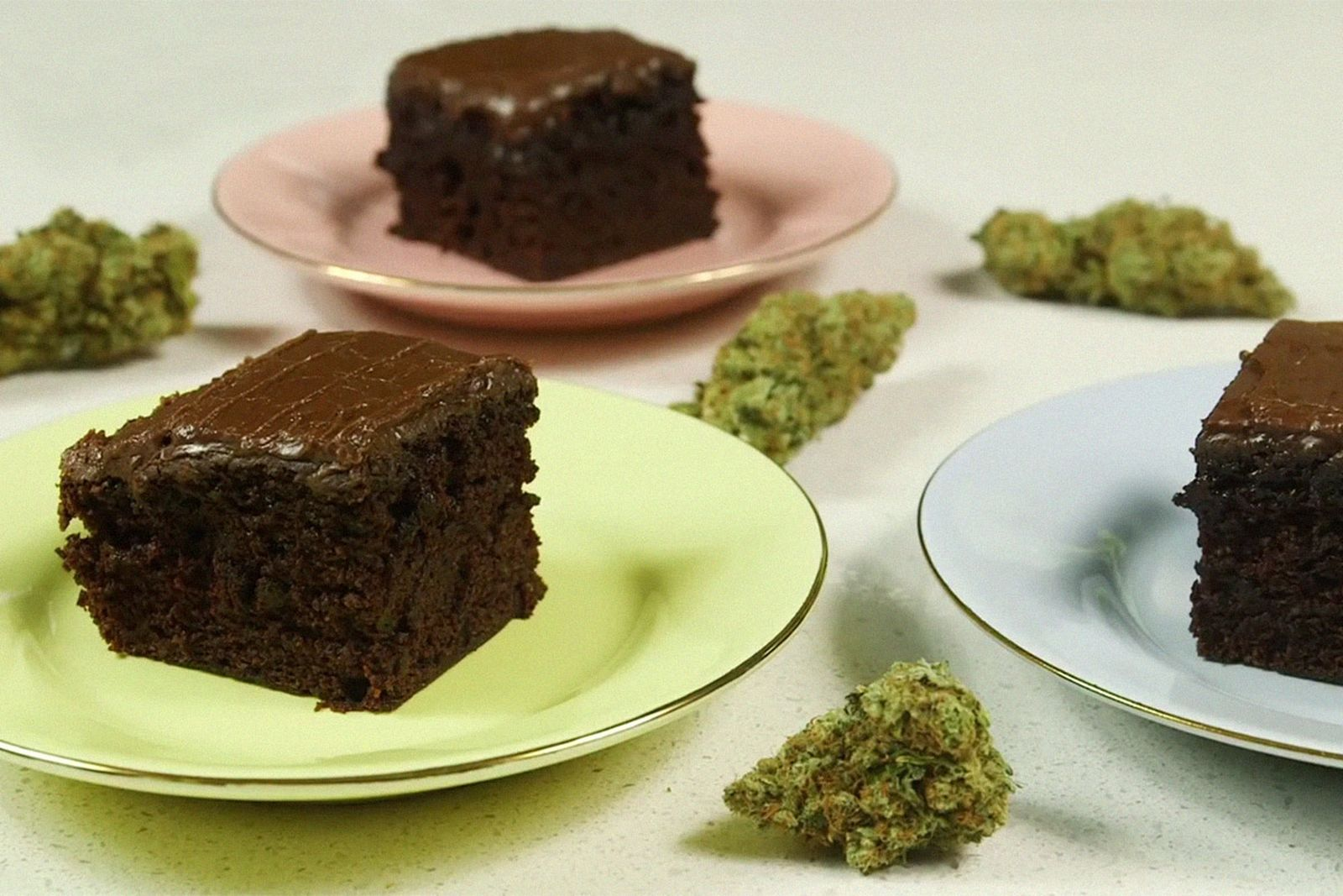 marijuana-health-benefits-eating-002
