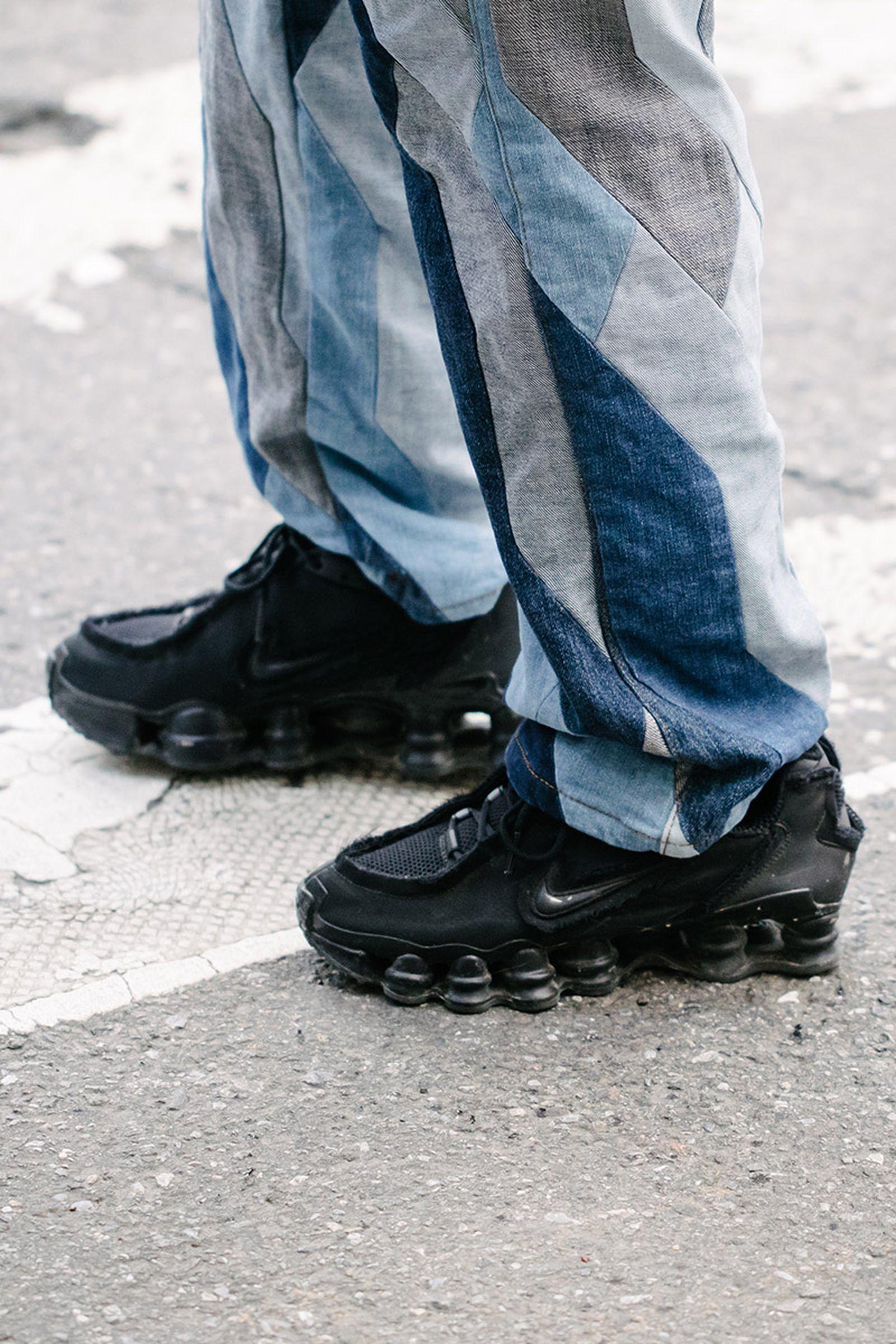 new-york-fashion-week-mens-fw20-sneaker-street-style-03