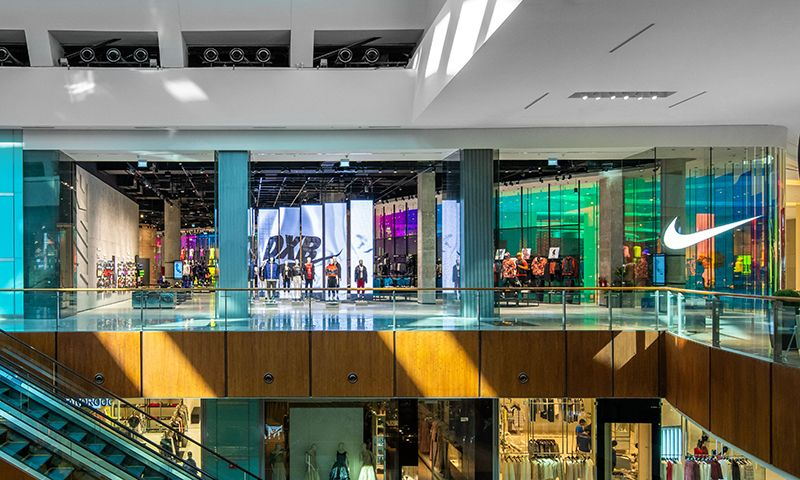 Duplicar Aliado bueno  Nike's New Dubai Store: Find Out About the Location Here