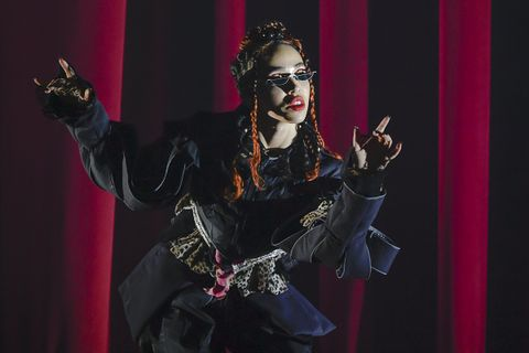 FKA Twigs performing The Fox Theater