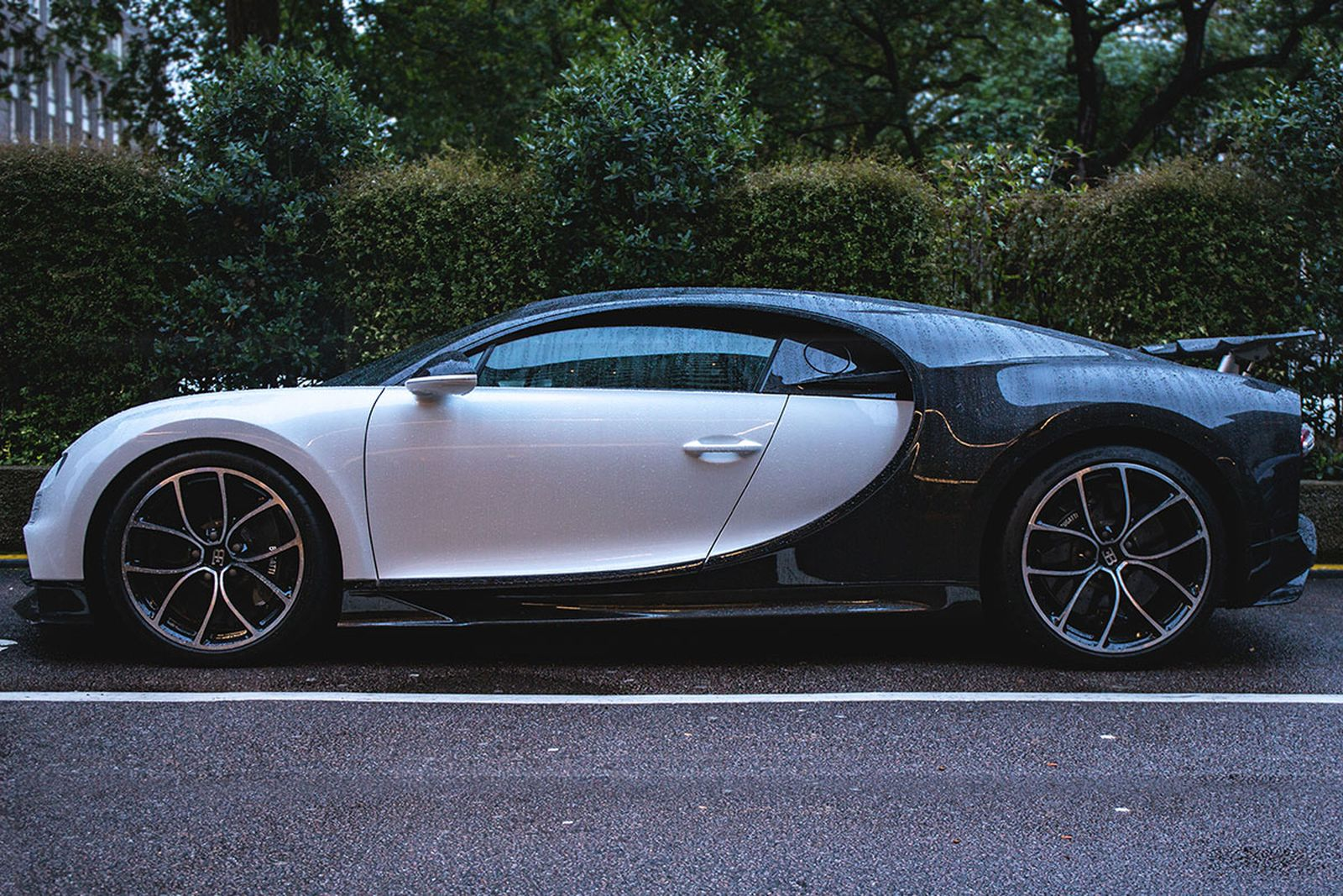Take A Closer Look At Kylie Jenner S 3 Million Bugatti Chiron