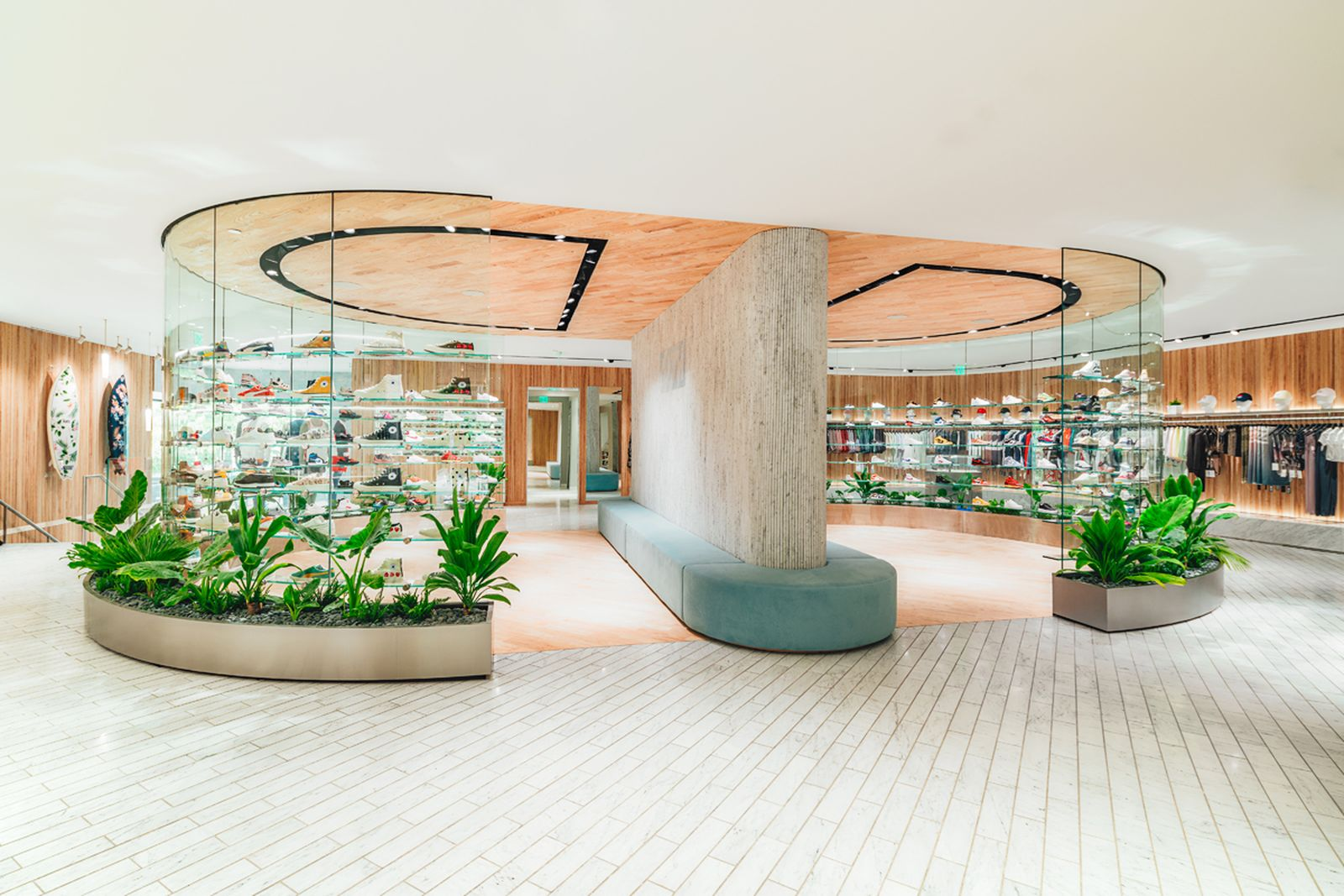 kith-hawaii-store-inside-air-force-1 (9)