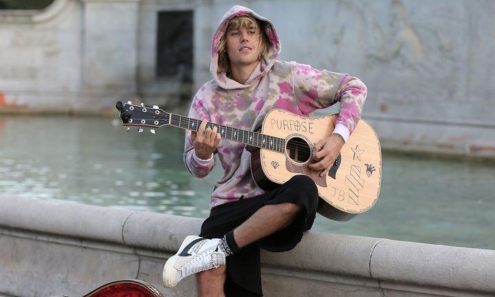 Justin Bieber hoodie acoustic guitar