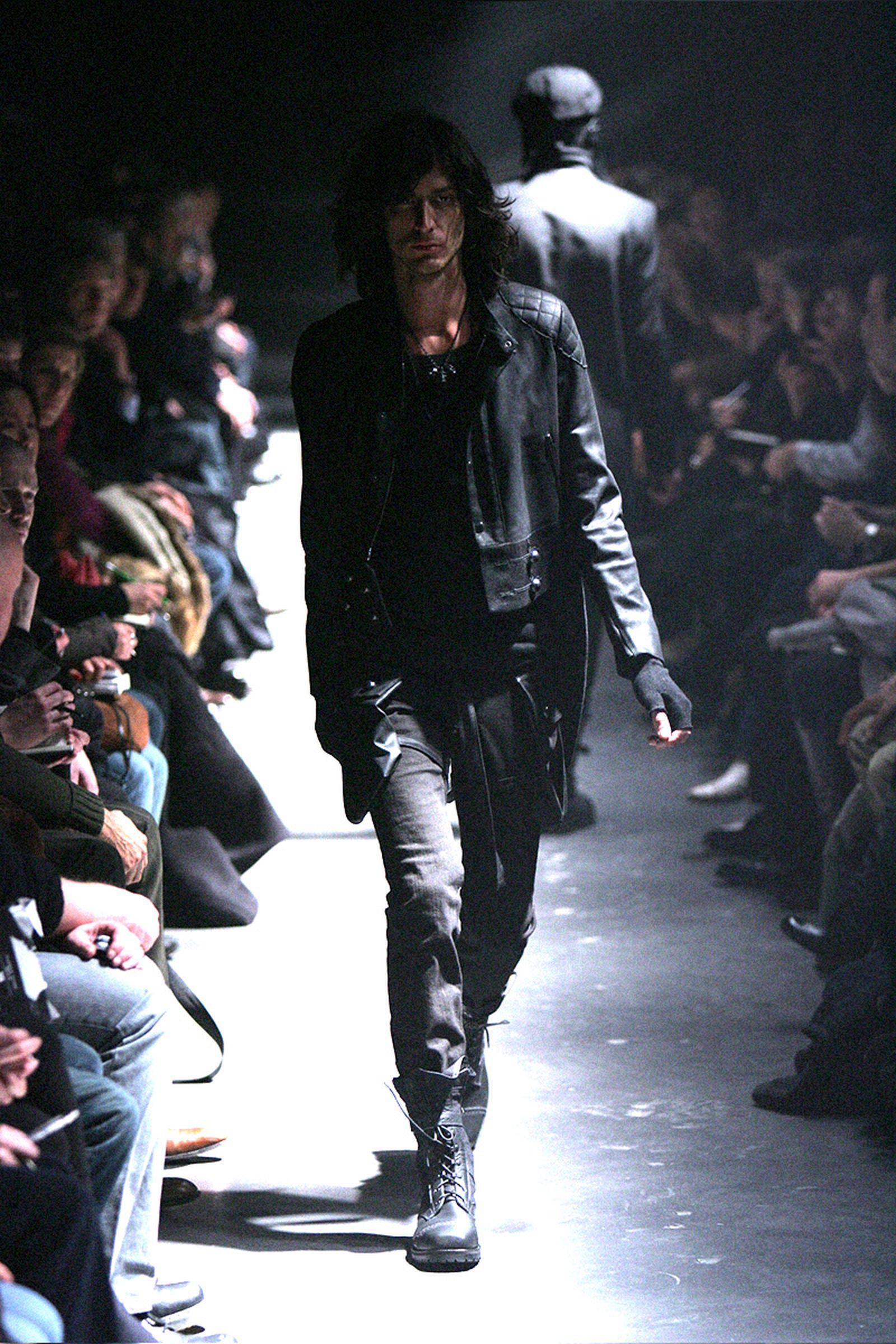 the-12-fashion-shows-that-changed-mens-fashion-03
