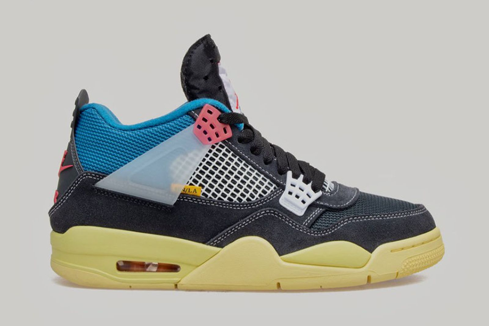 desesperación perfil yermo  Union x Nike Air Jordan 4: How & Where to Buy in Europe Today