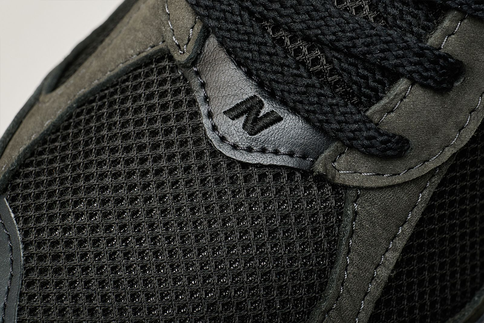 new-balance-2002r-release-date-price-07