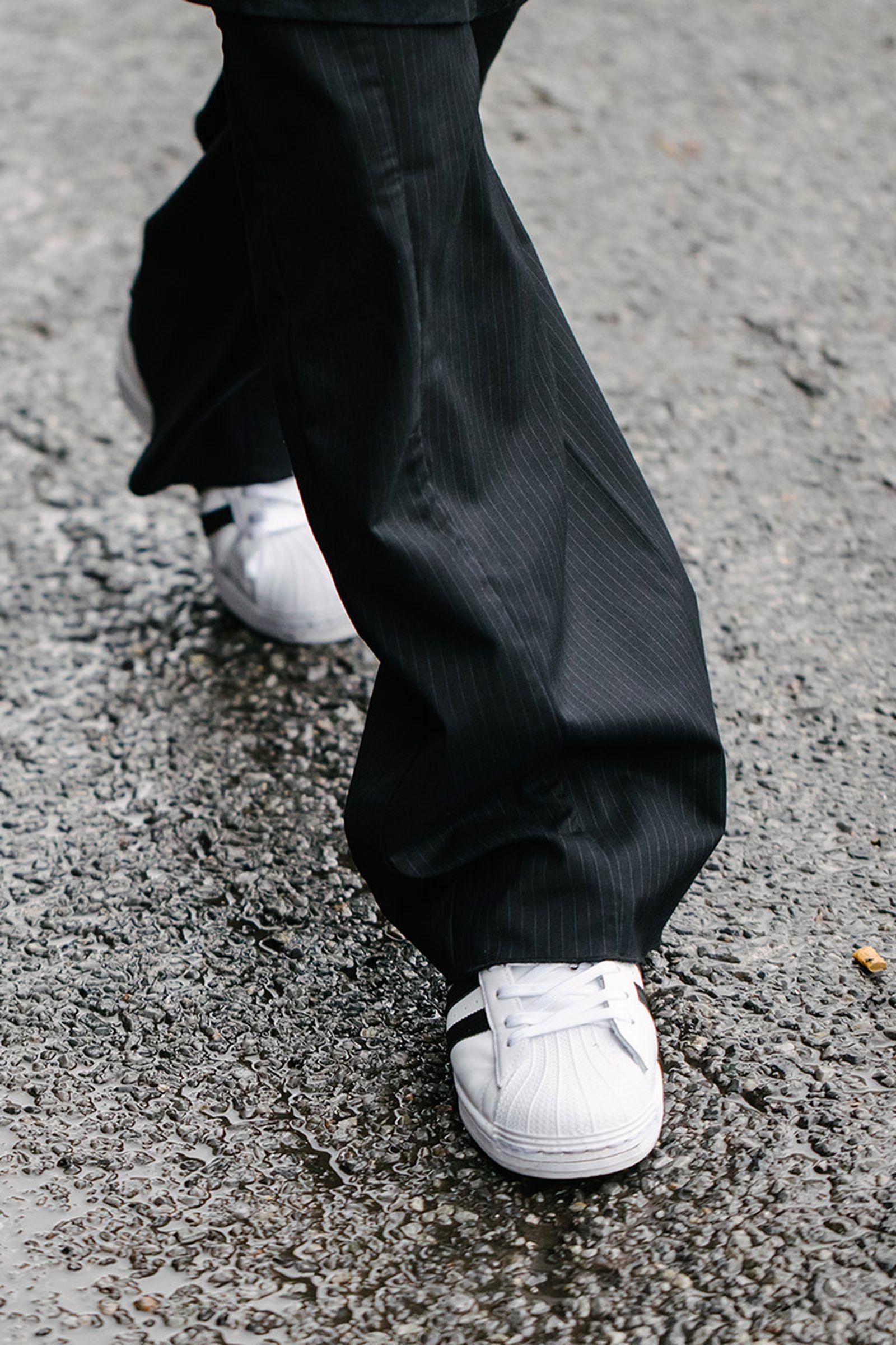 new-york-fashion-week-mens-fw20-sneaker-street-style-02
