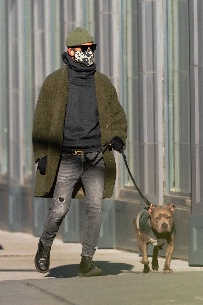 Justin Theroux & His Dog Propose the Power of Hybrid Dressing