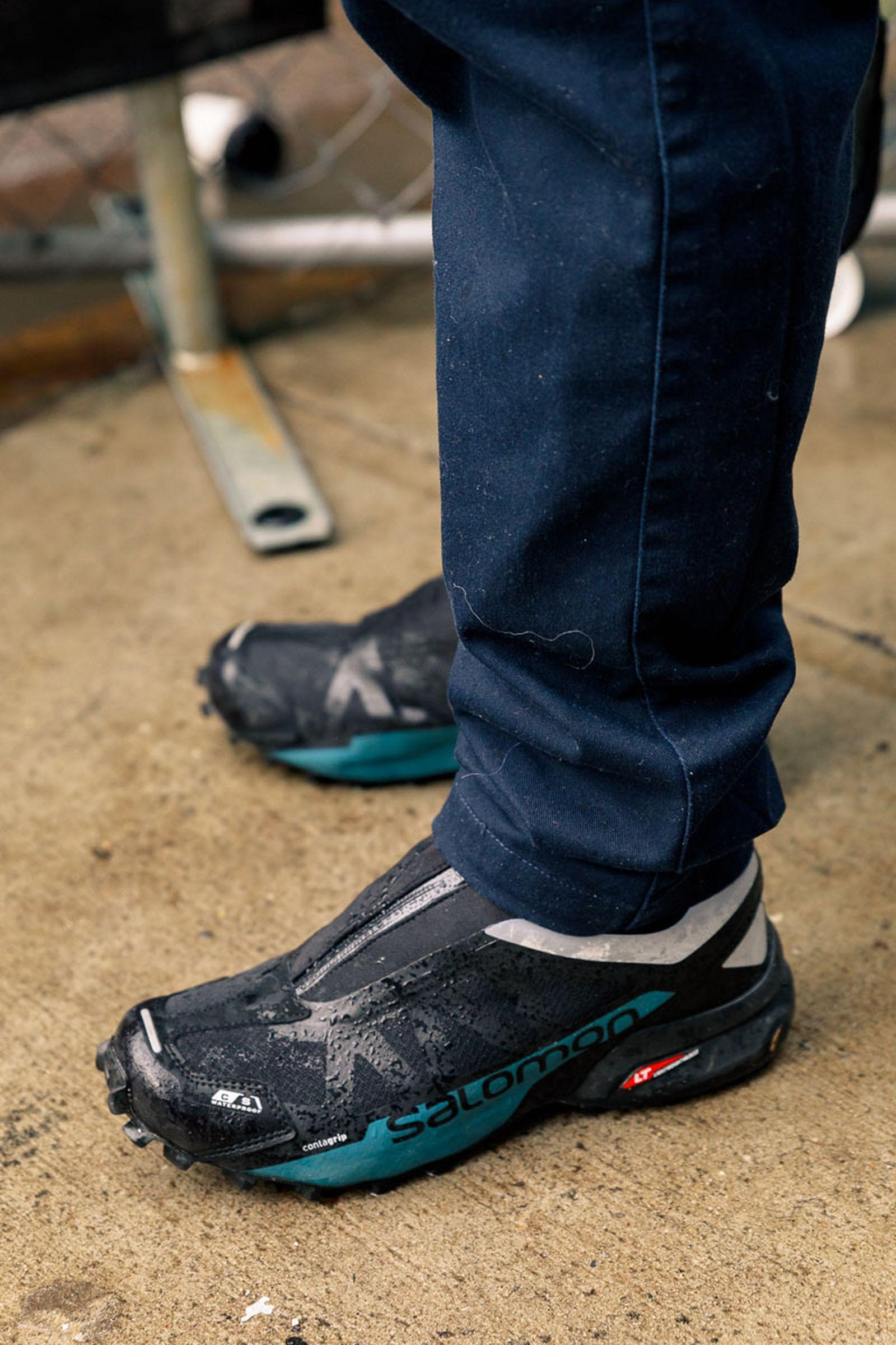 new-york-fashion-week-mens-fw20-sneaker-street-style-06