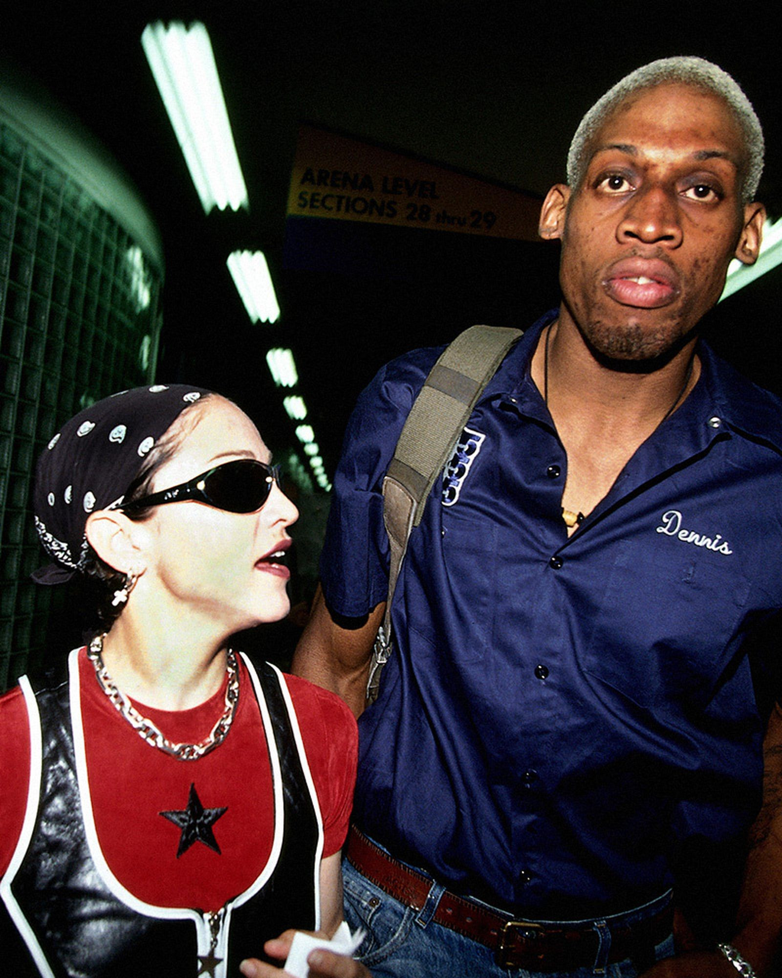 dennis-rodman-craziest-moments-03