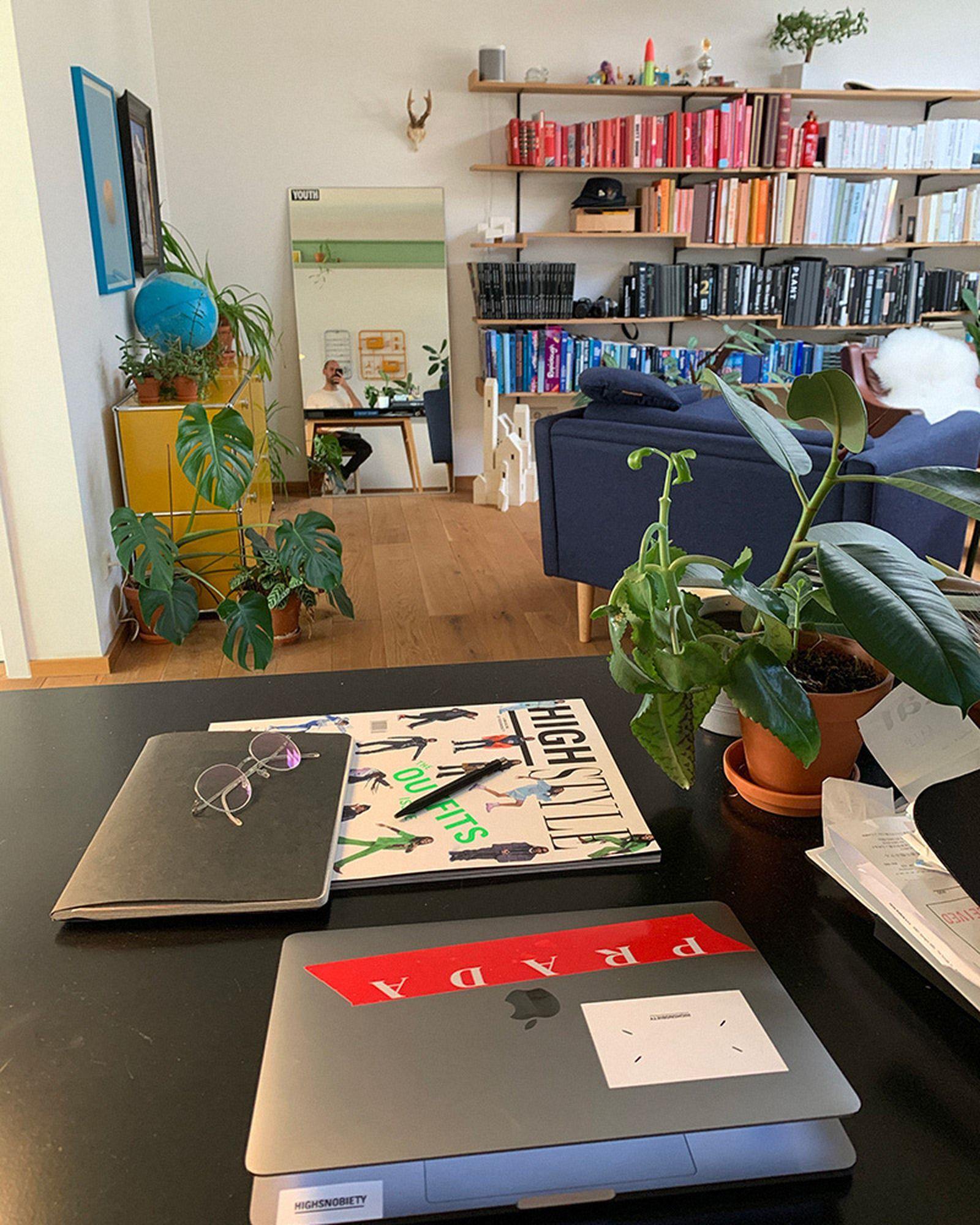 wfh-office-tour-look-inside-home-offices-herbert-04