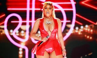 Nicki Minaj Calls Out Travis Scott & Spotify After 'Queen' Debuts at No. 2