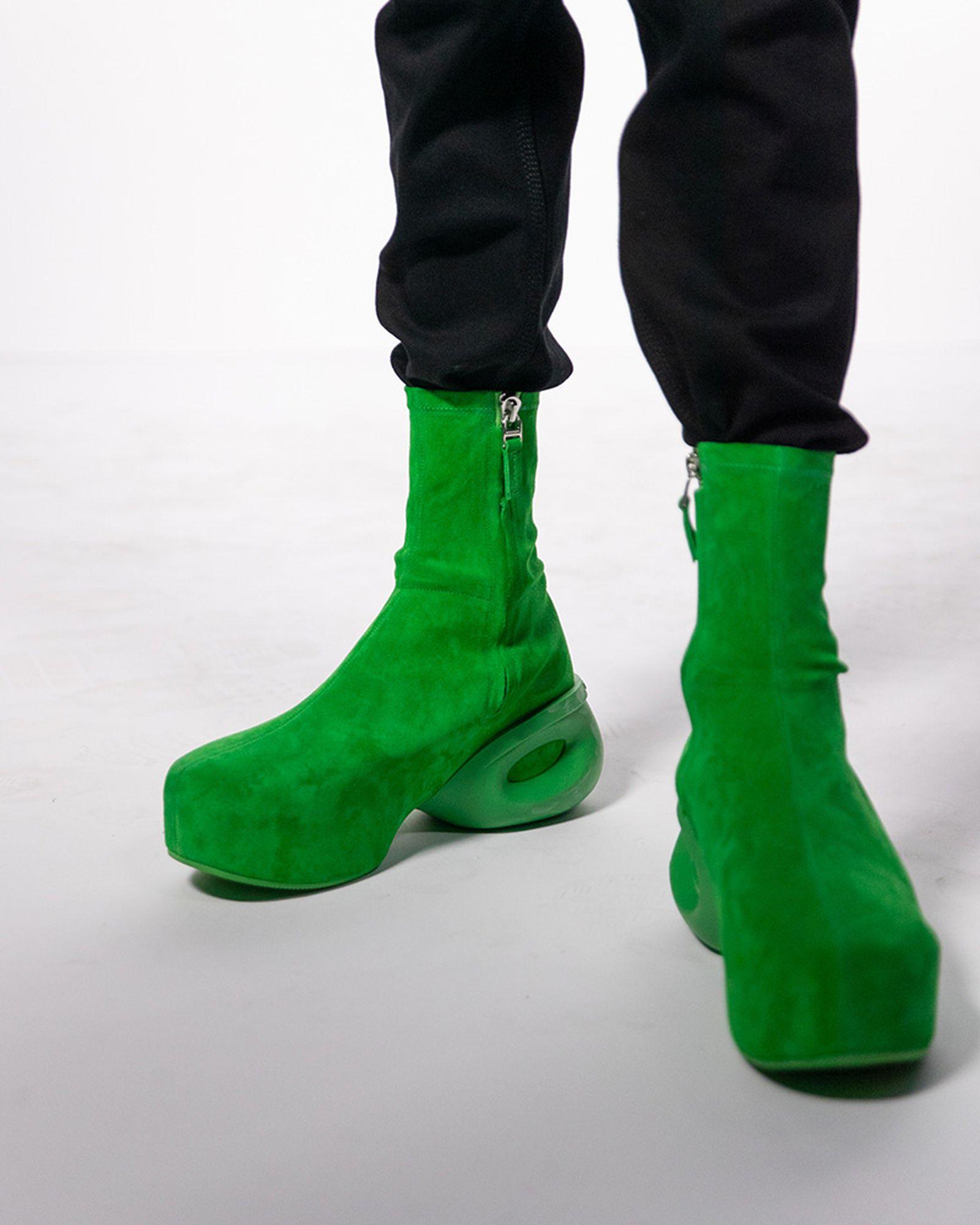 fashion-week-ss22-sneaker-roundup-04