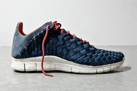 watch d2aba 9b68d Nike s popular Free Inneva Woven silhouette gets another new colorway for  Summer 2013. Appearing in armory and navy, the woven upper is contrasted by  a ...