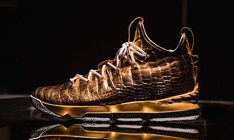The Shoe Surgeon Gifts LeBron James $100K Nike LeBron 15