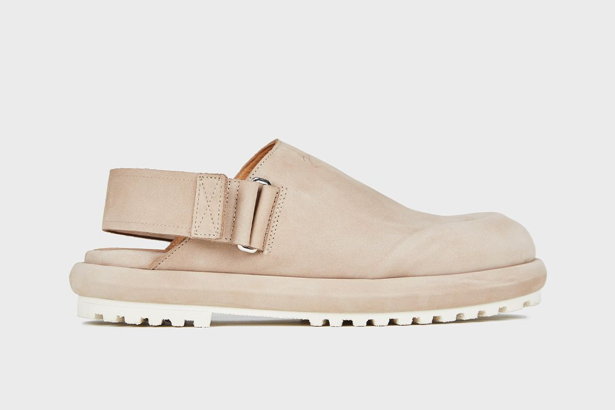 Stay-Home Rotations Are Now a Thing & This Is the Footwear You Should Add 3