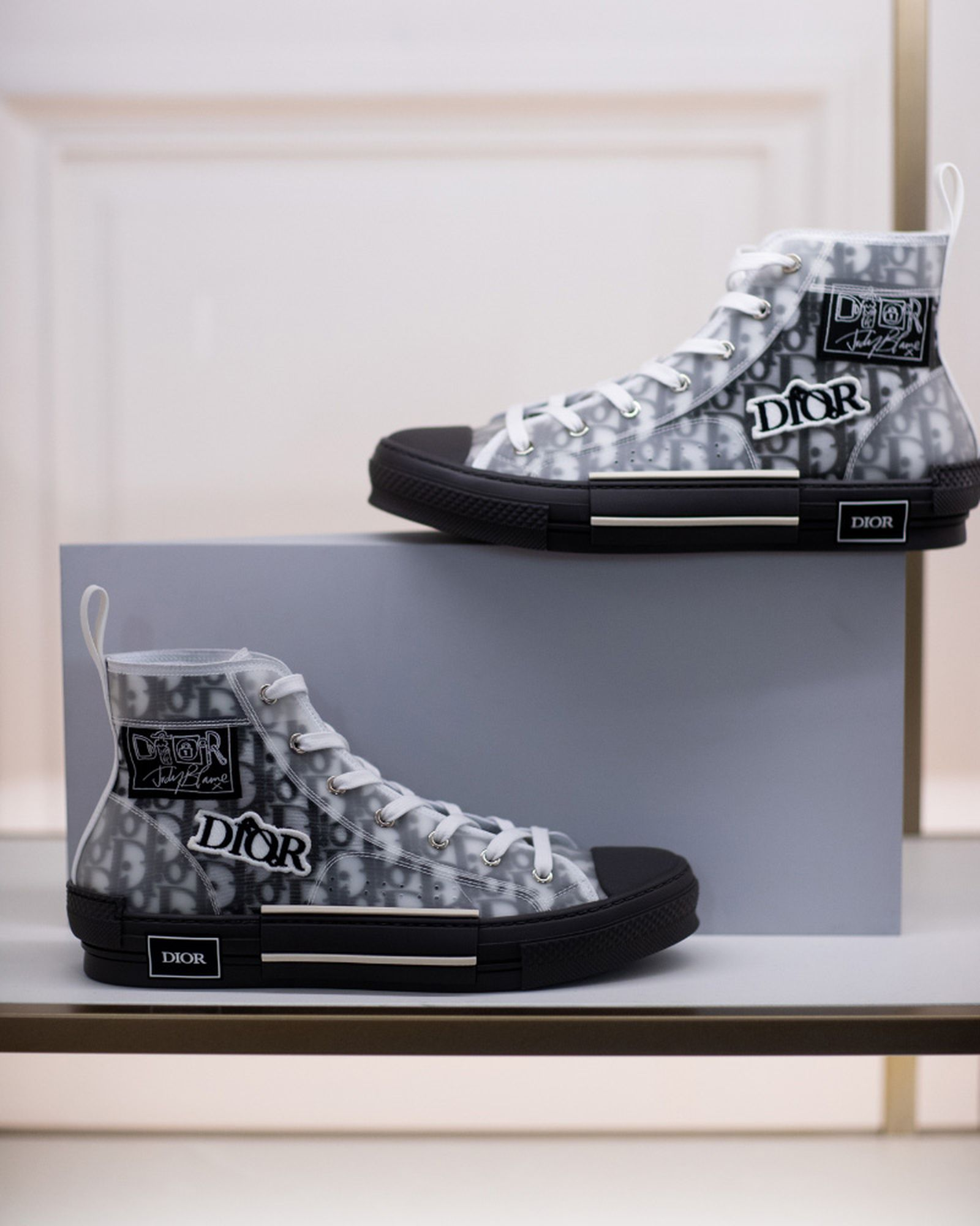 best-sneakers-fashion-week-fw20-dior-03