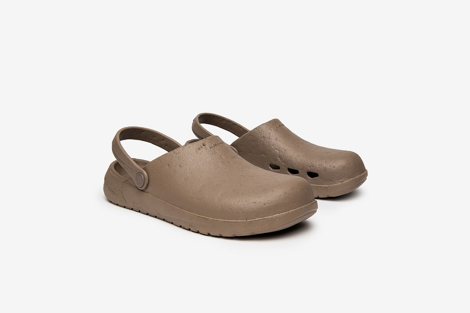 ales-grey-rodeo-drive-slip-on-1-11