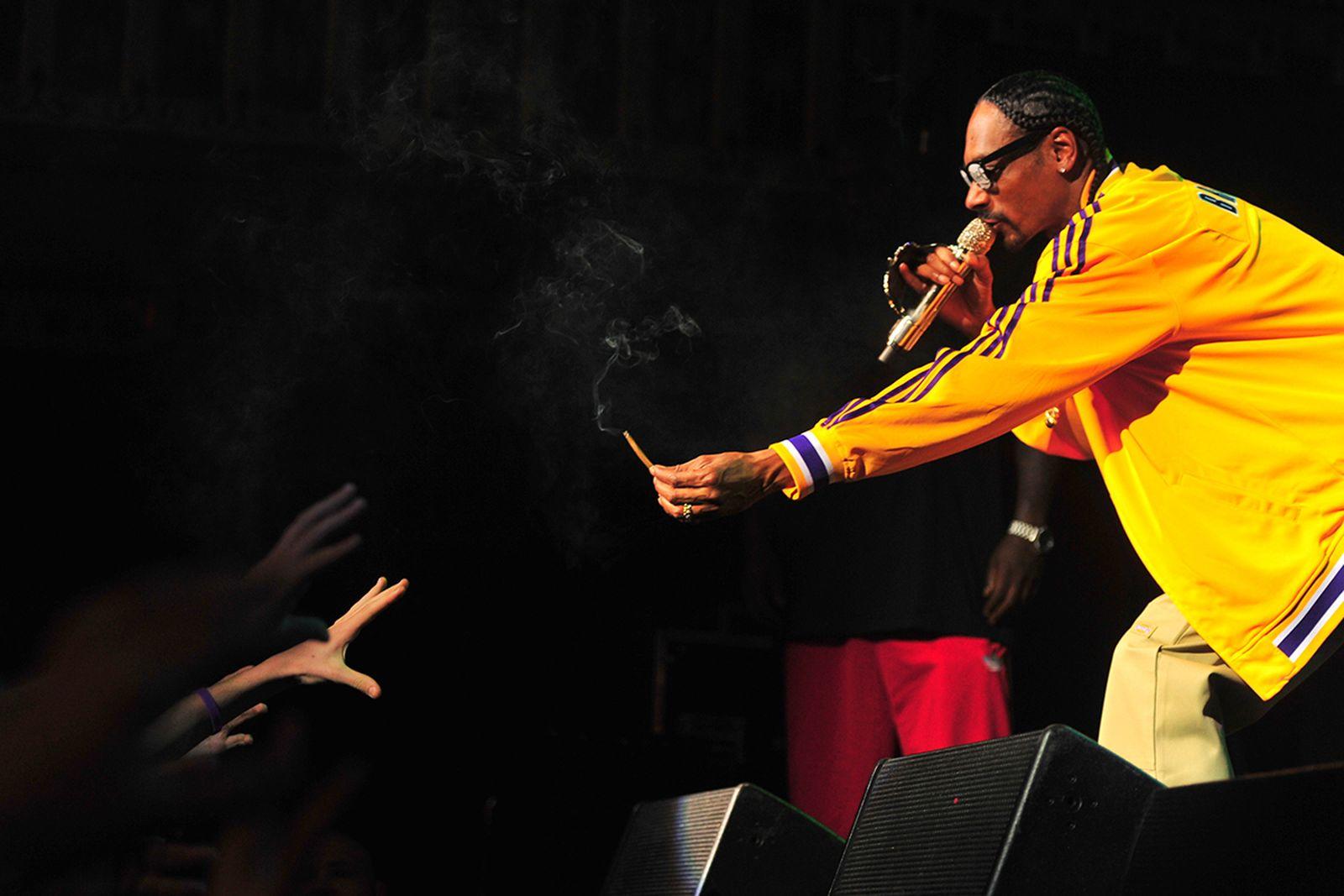 how marijuana hip hop became inseparable main 420 N.W.A. beastie boys