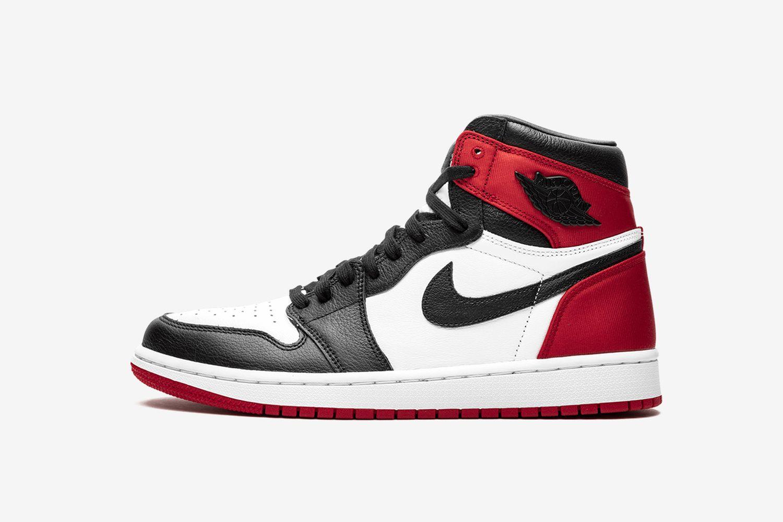 Wmns Air Jordan 1 High 'Satin Black Toe'