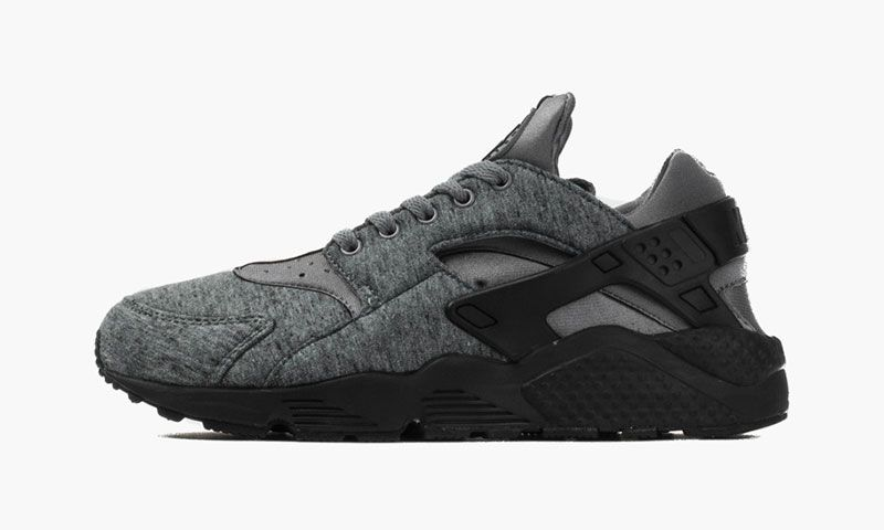 detailed look a6bb3 84ed5 Nike s Latest Air Huarache Boasts Tech Fleece Construction   Highsnobiety