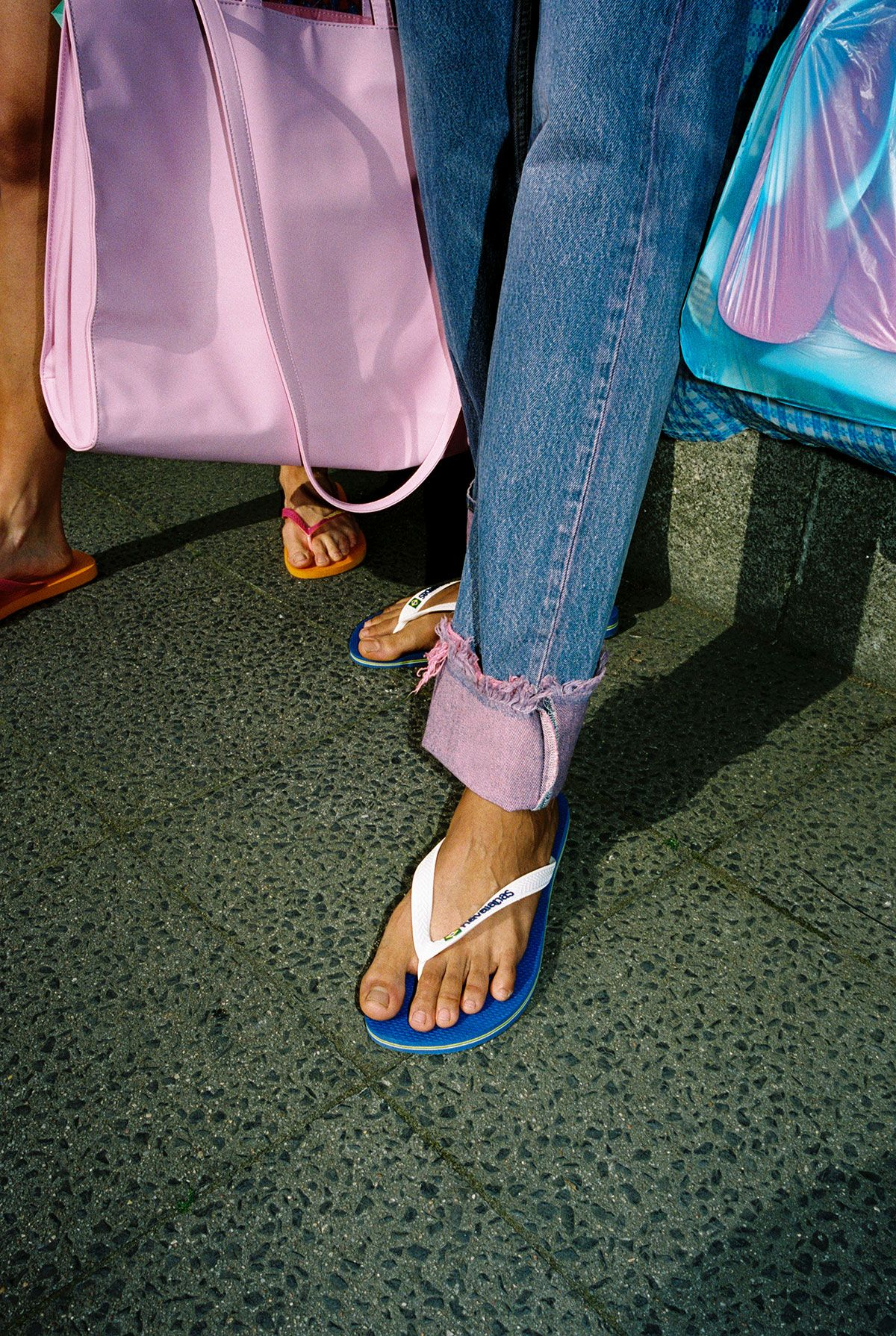 Havaianas New Lookbook Shows Why Flip Flops Should Be in Your Summer Rotation 38