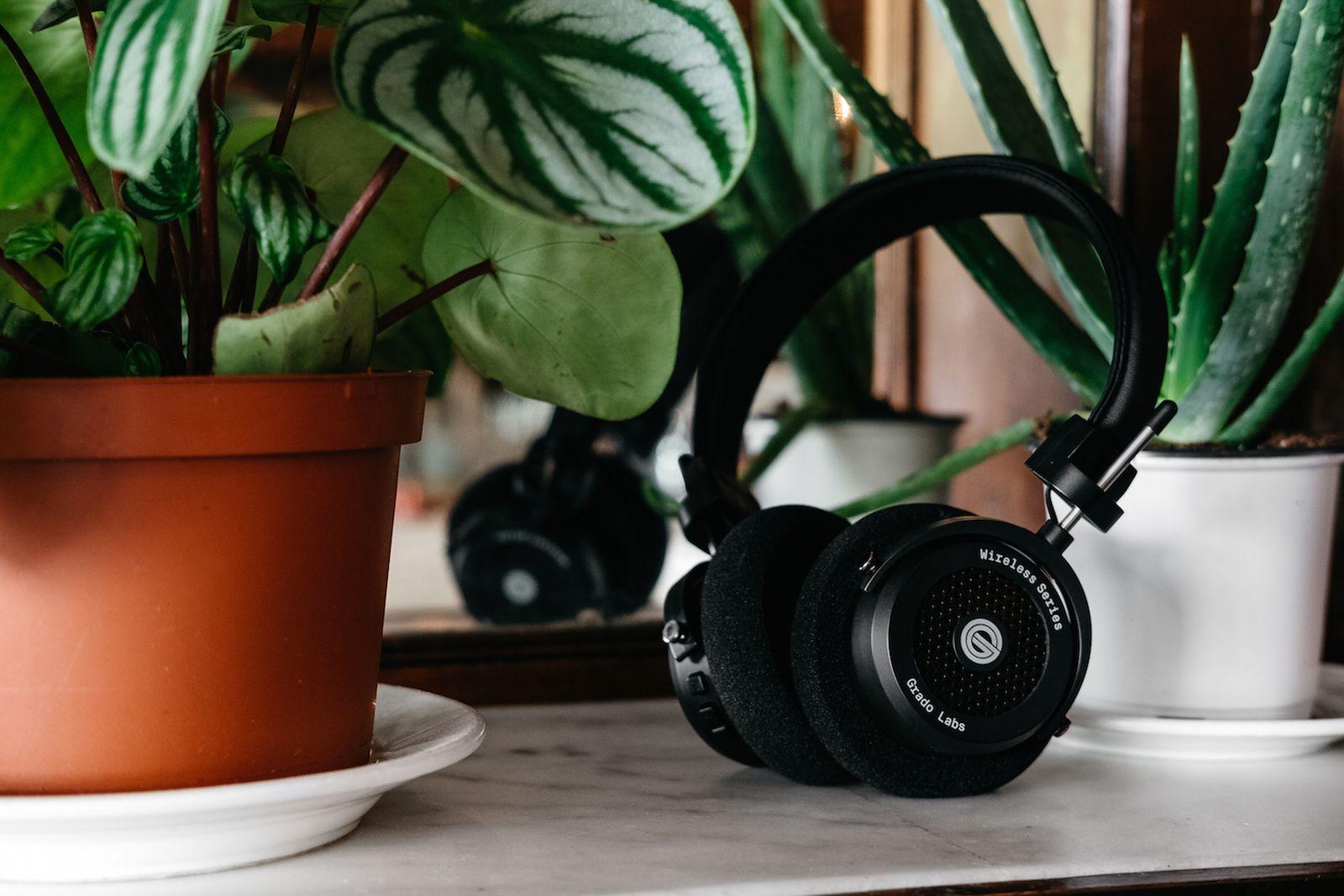 Grado GW100 Wireless Headphones Coffee Shop Grado Labs GW100