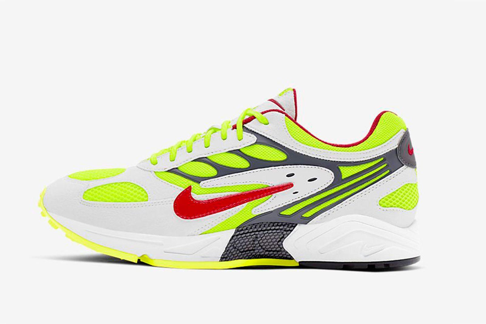 air-ghost-racer-mens-shoe-main