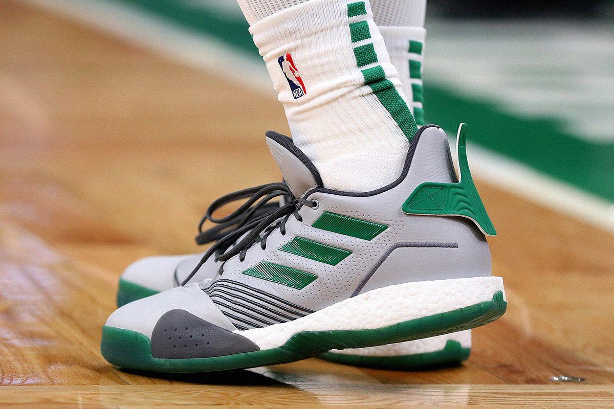 chaussures basket ball adidas