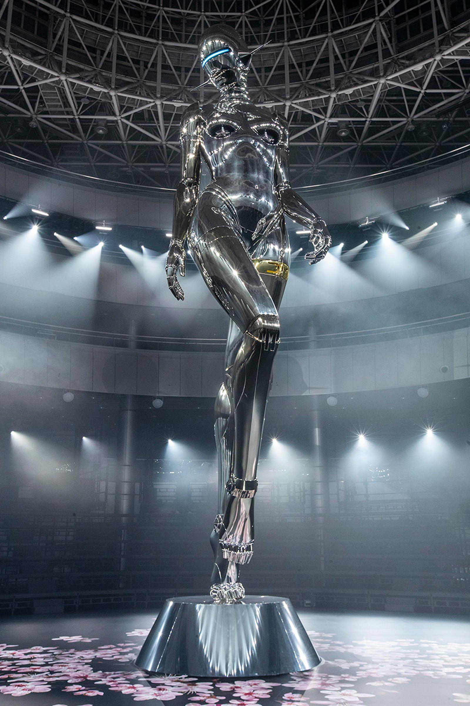 dior statue sorayama kim jones