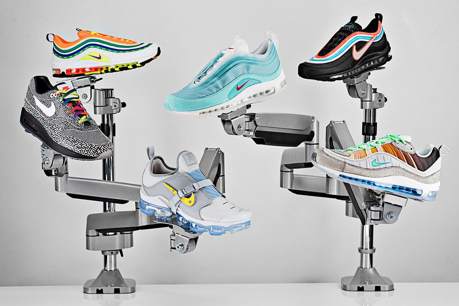A merced de unir director  Nike On Air Sneaker Collection: Official Release Information