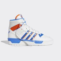 new products 19aa5 aaa10 Eric Emanuel Celebrates New York With Knicks-Repping adidas Rivalry Hi