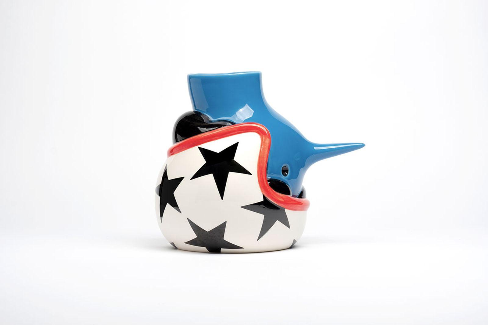 parra-upside-down-helmet-face-vase-annoucement-06