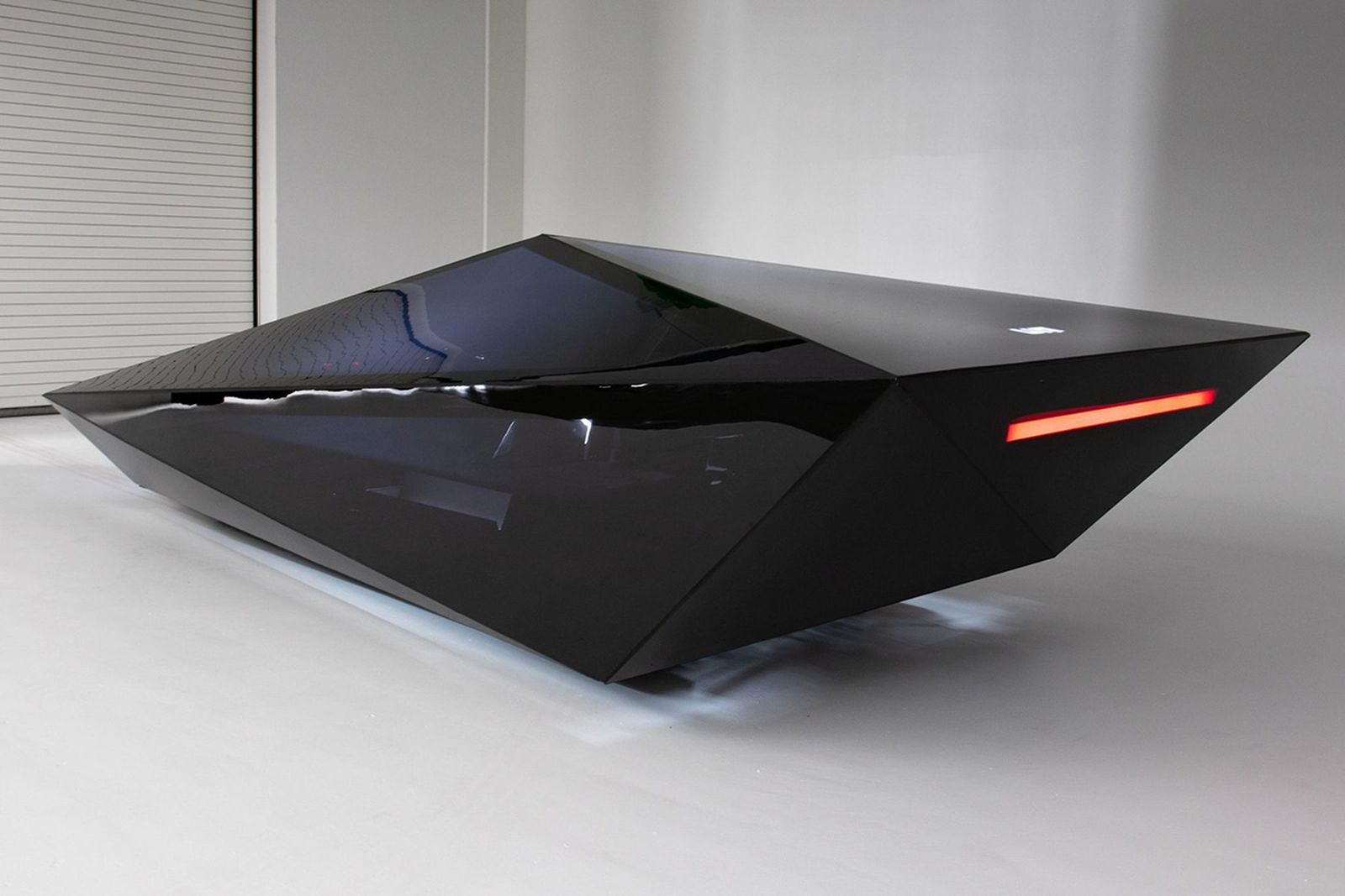 united-nude-lo-res-concept-vehicle-02