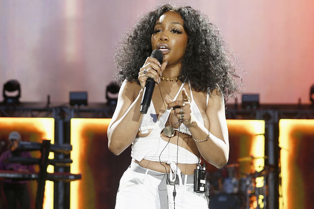 "Watch SZA Cover Wheatus' Classic Track ""Teenage Dirtbag"""