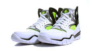 023af9f644c5 Nike Air Huarache Free Basketball 2012 - White Black Volt