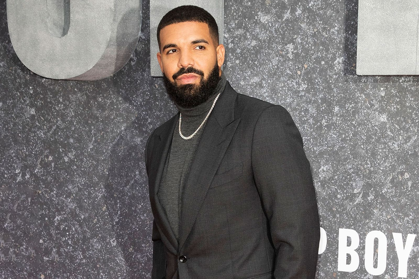 Drake grey suit 'Top Boy' premier