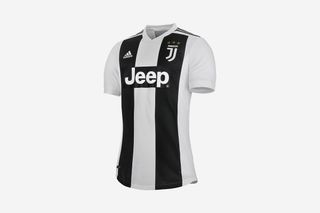 big sale e87f8 16dd2 Cristiano Ronaldo Juventus Jersey: Where to Buy Online