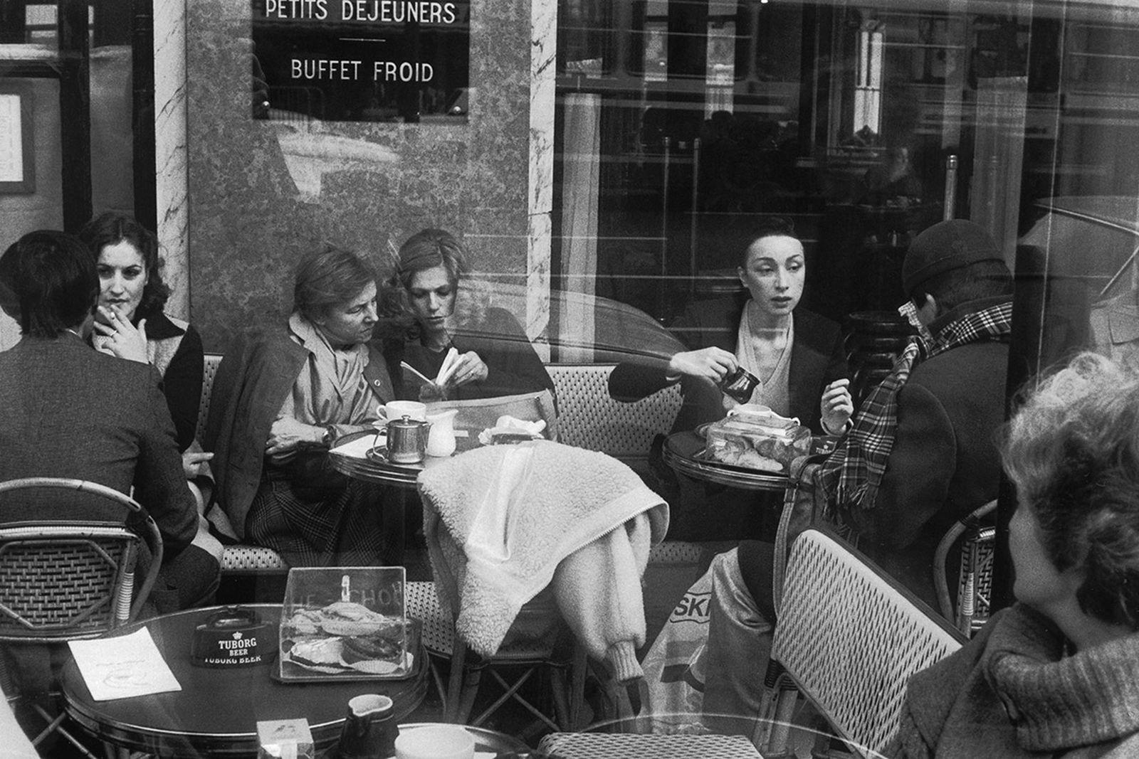 cafe-de-flore-fashion-week-not-in-paris-02