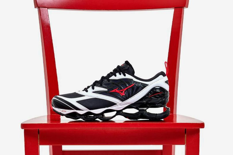 Mizuno Proves You Should Ride the Wave & Other Sneaker News Worth a Read 75