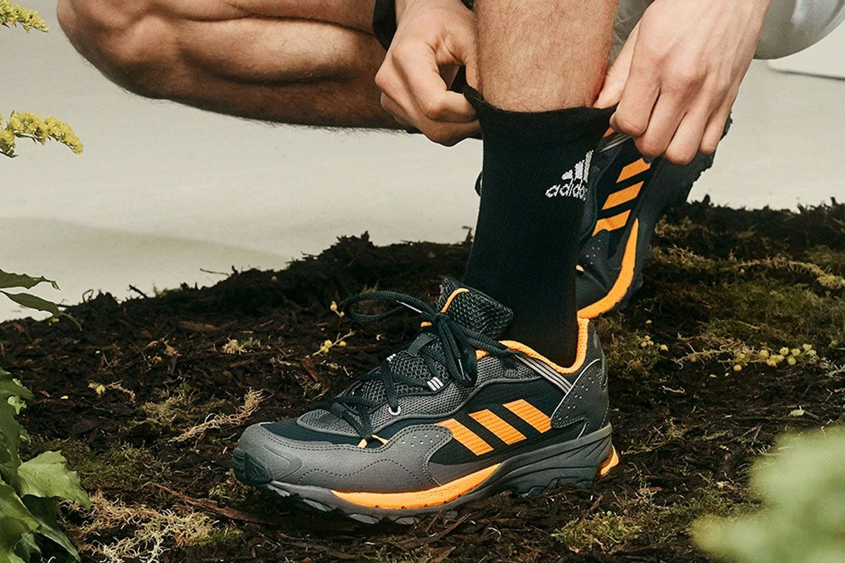 The adidas Response Hoverturf Is Dressed in Archival Trail Colorways 15