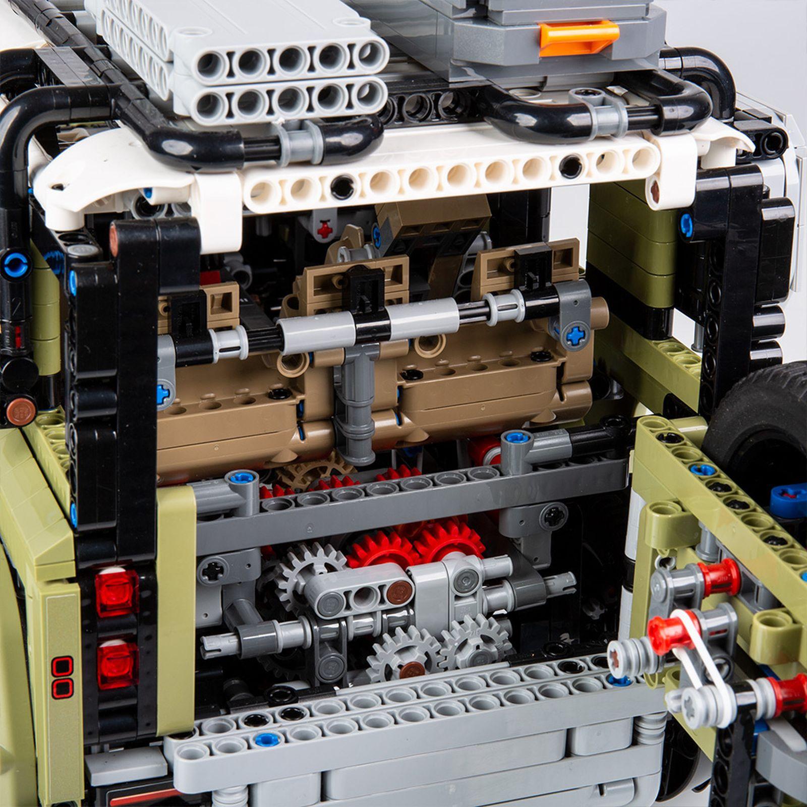 LEGO Land Rover Defender model green