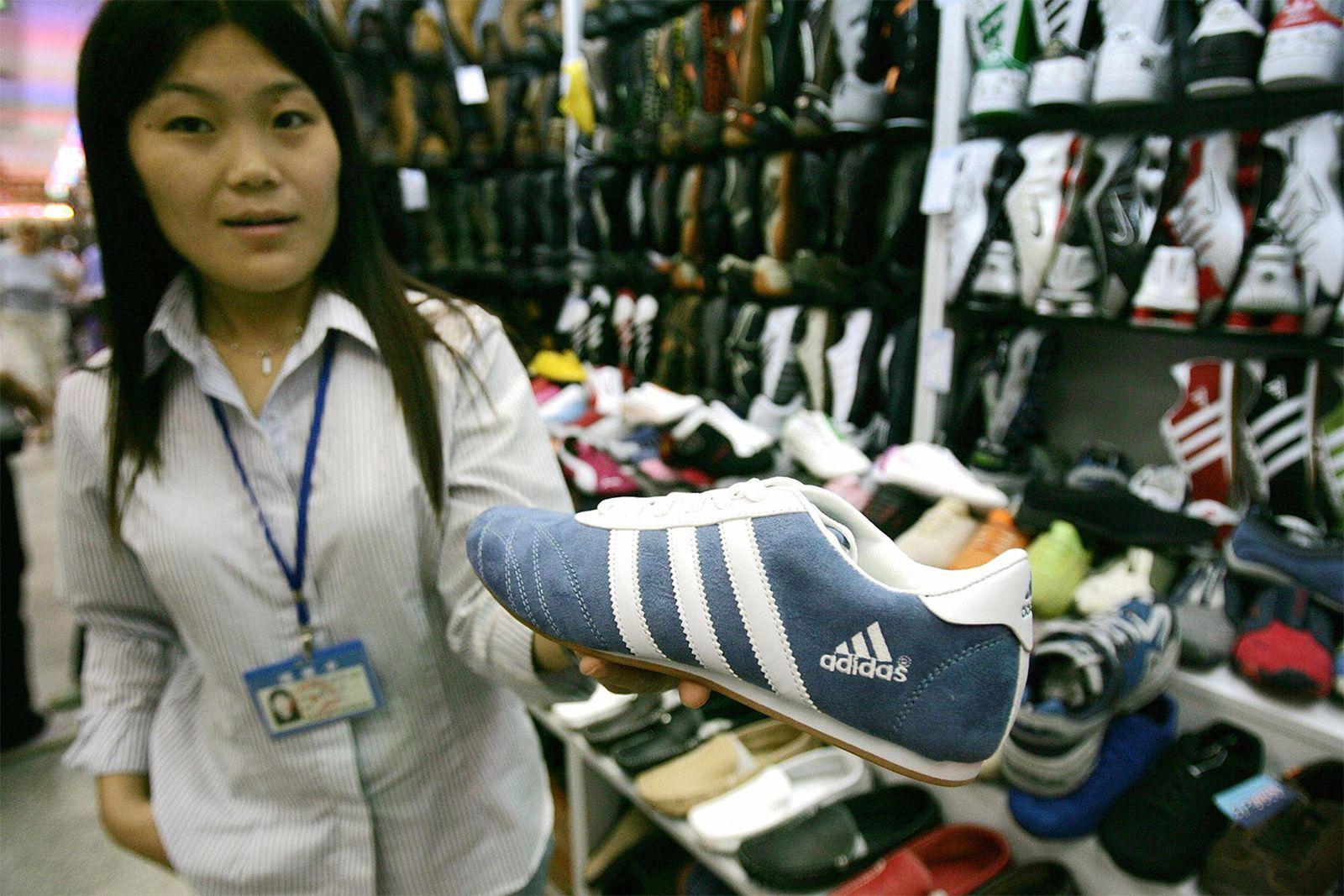 adidas-10-percent-asia-fake-001