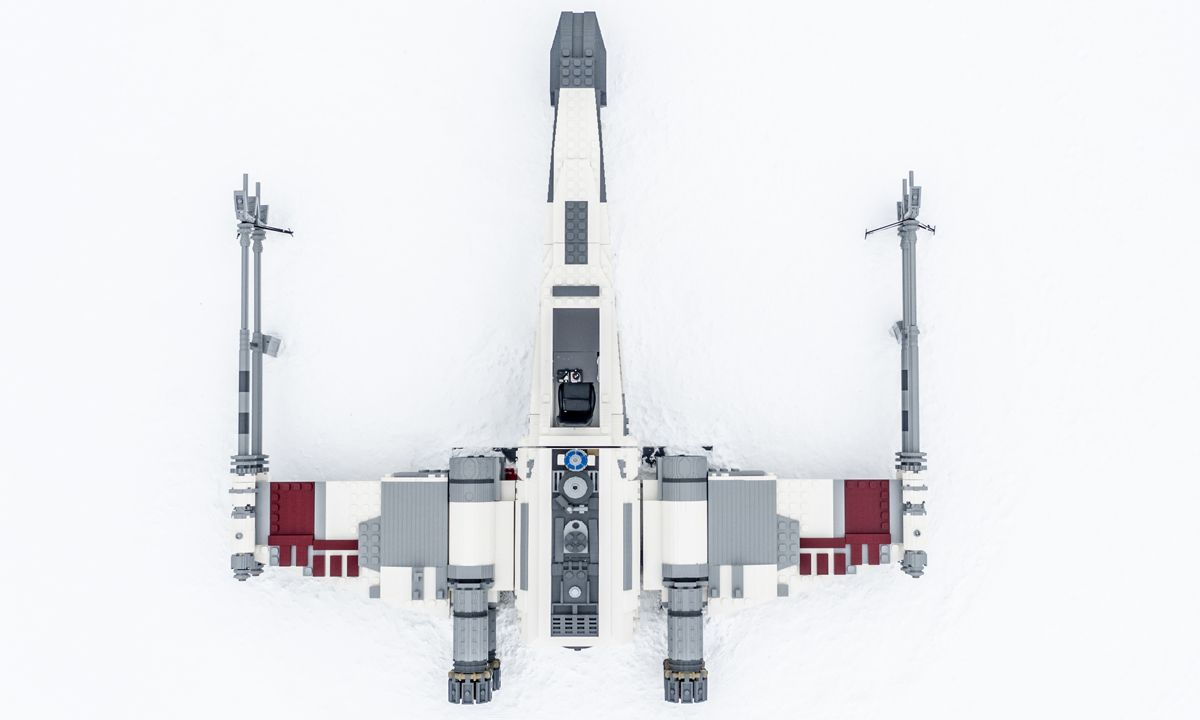 """LEGO Star Wars Builds Life-Size X-Wing for """"Force Friday"""""""